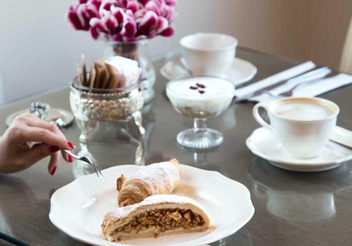 Shtarkman Erna Hotel Nahariya Coffee Itkoachn